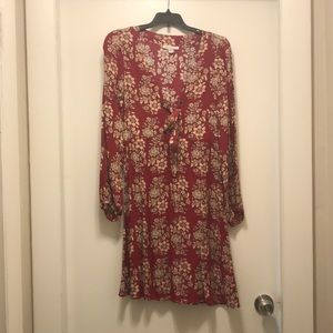 Small American Eagle Long Sleeve Floral Dress